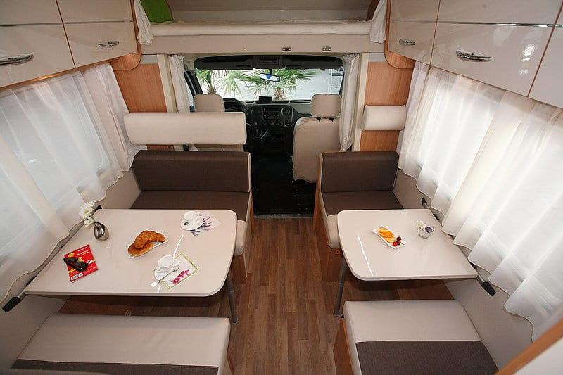 wohnmobil mieten f r 2 4 6 personen wohnmobil mieten bei. Black Bedroom Furniture Sets. Home Design Ideas