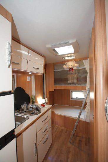wohnmobil mieten mit stockbetten wohnmobil mieten bei. Black Bedroom Furniture Sets. Home Design Ideas